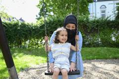 Sahar-und-Pflegemutter